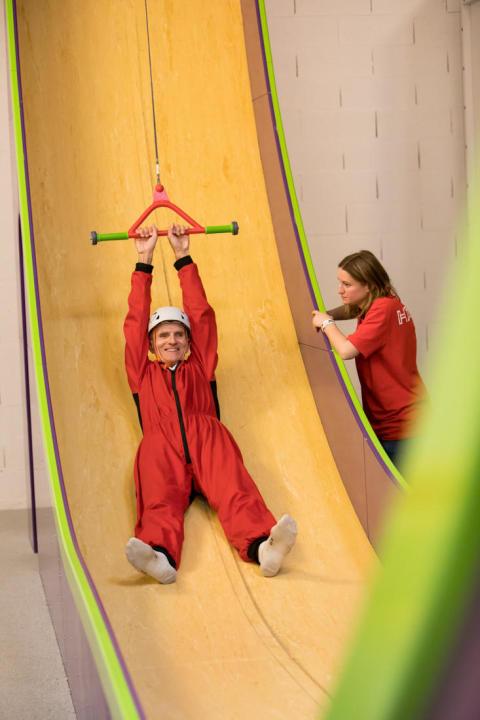 Le toboggan vertical hapik salle d'escalade
